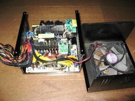 故障したパソコンの電源ユニット