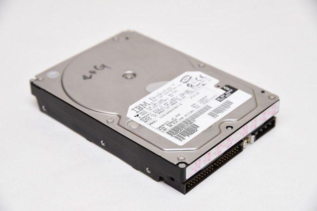 IDE規格のHDDをUSB変換ケーブルで接続してデータを取り出す方法